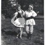Krakowiak na boisku szkolnym I LO